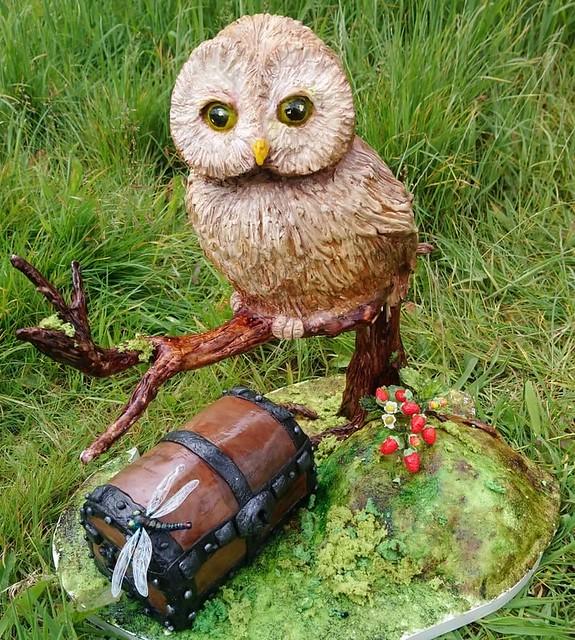 Owl Cake by Irina Kramorenko