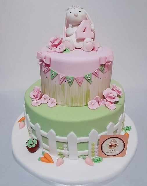 Cake by Gabriela Zavalla Ponte of D&G Tortas.Cupcakes.Dulces