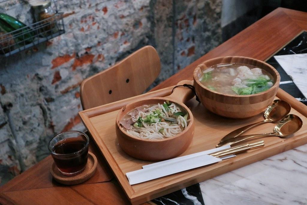 【台南IG美食】葉明致麵舖:平價時髦麵店。