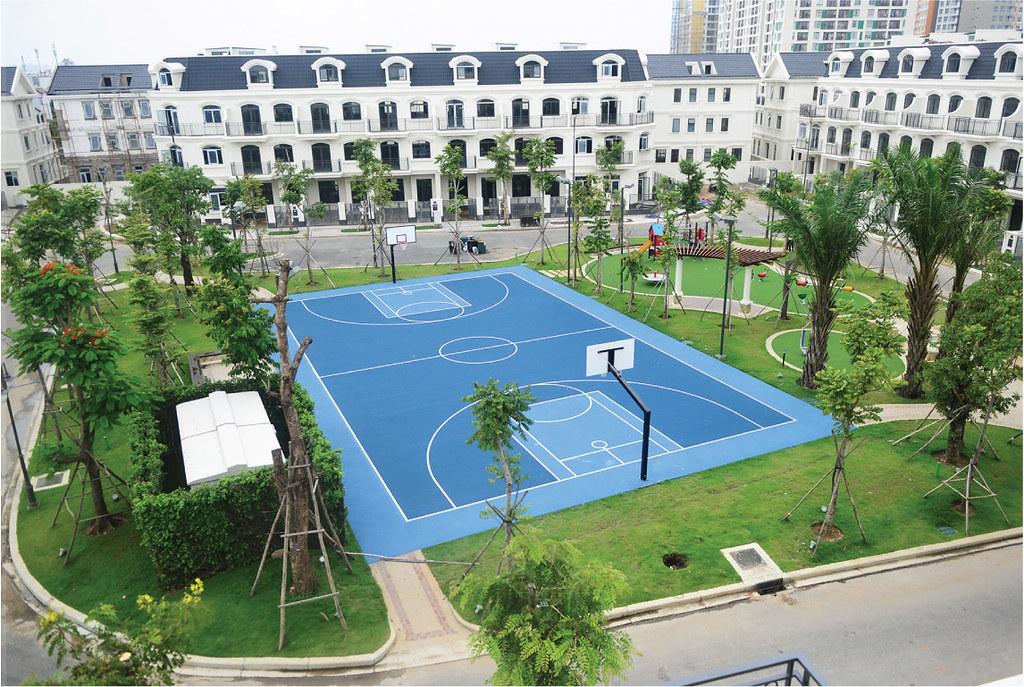 Sân bóng rổ, đá banh