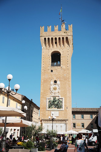 La piazza centrale di Recanati