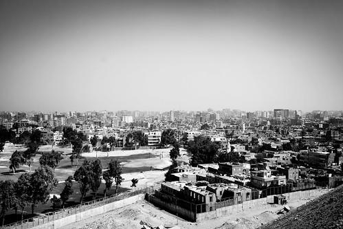 bw nb noiretblanc blackandwhite monochrome travel voyage world city cityscape ville paysage landscape egypt égypte afrique africa canon 7d canon7d canoneos7d eos7d giza gizeh