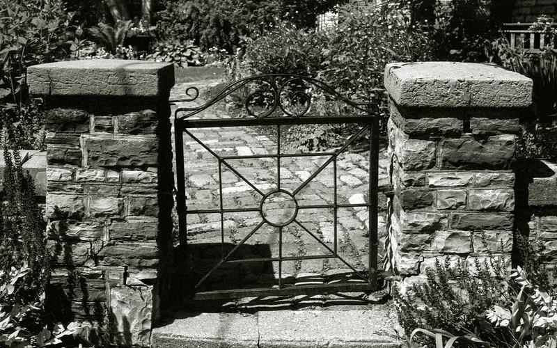Kew Beach Warden's Cottage Gate