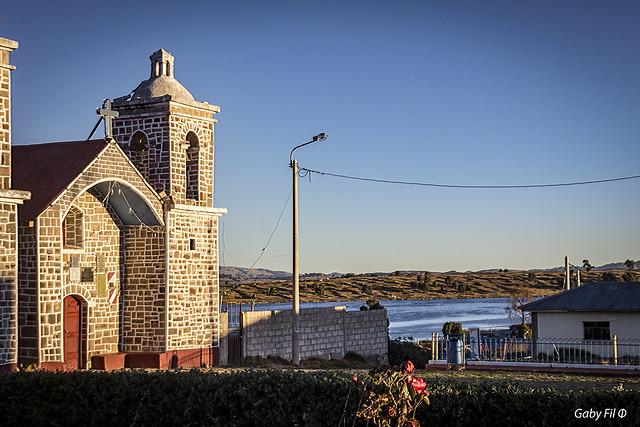 La iglesia del lago