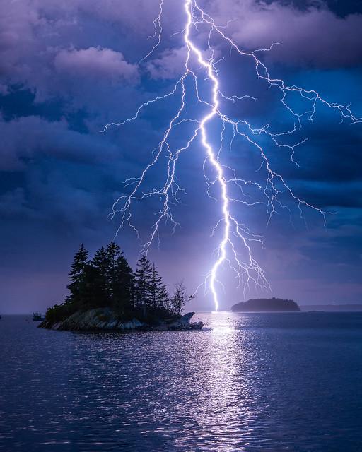 Maine Lightning