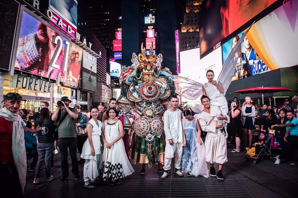 曙光祭策展人阿福2018年帶領「Wow Taiwan」計畫,將台灣藝術作品結合廢棄回收的理念推向紐約。圖片來源:台灣藝術創意無極限協會