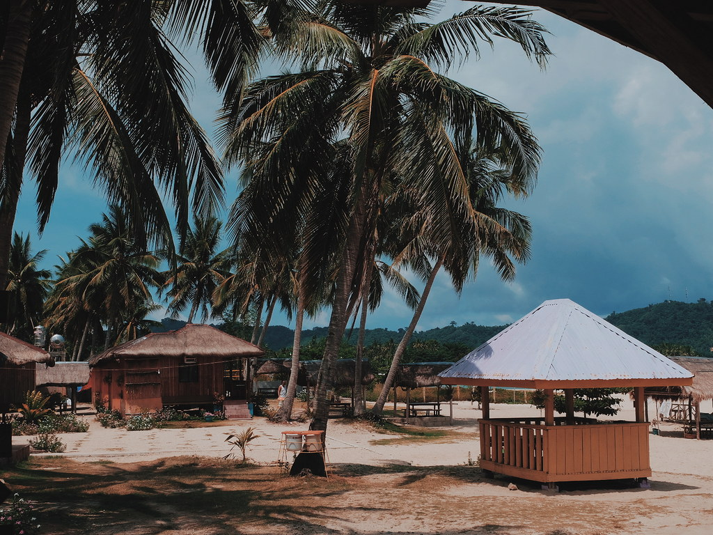 Glamping Sun and Stars Beach Resort Baler Aurora