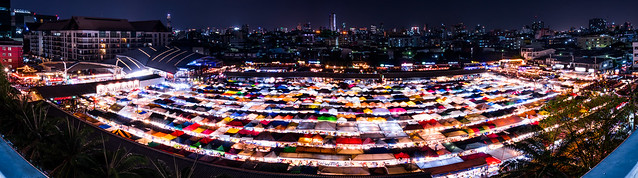 Ratchada Rot Fai Train Night Market - Panorama
