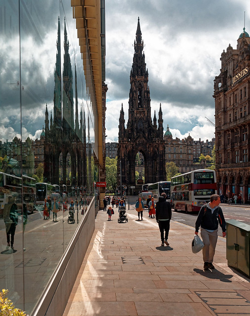Edinburgh / Scott Monument / View from South St David Street