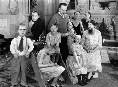 Algunos personajes de Freaks (1932) de Tod Browning