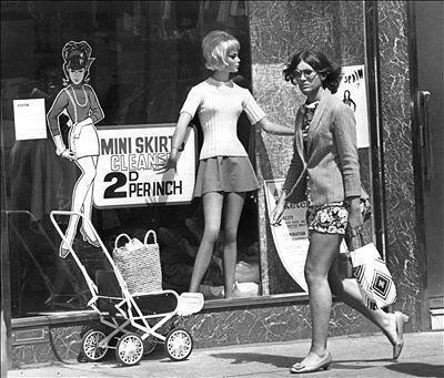 Imagen del boom de la minifalda en los sesenta