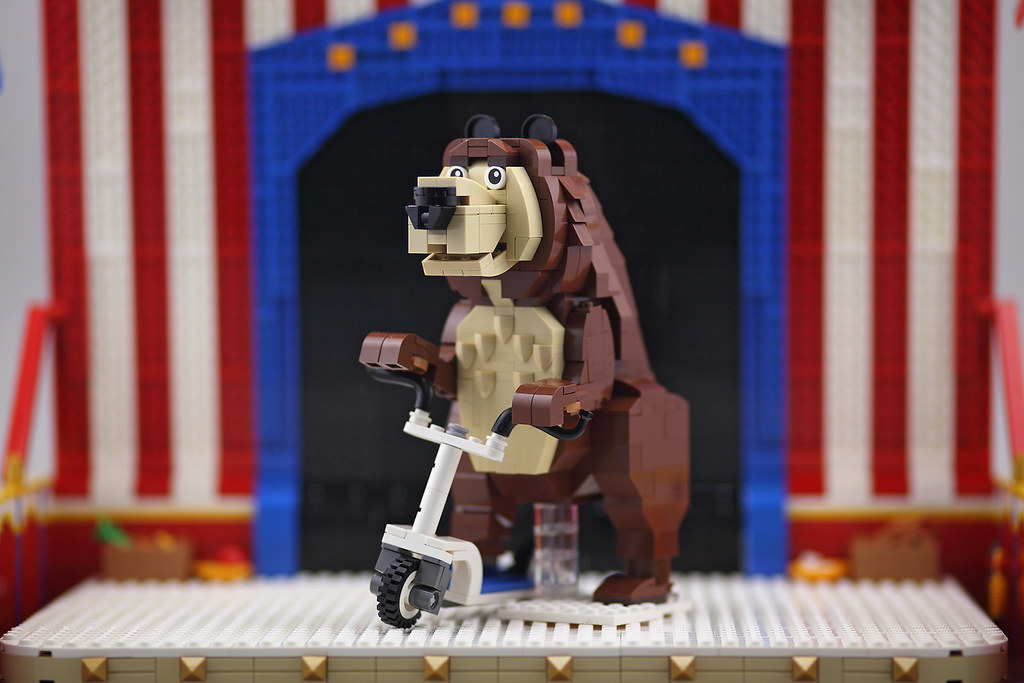 Animal Circus Bear (custom built Lego model)