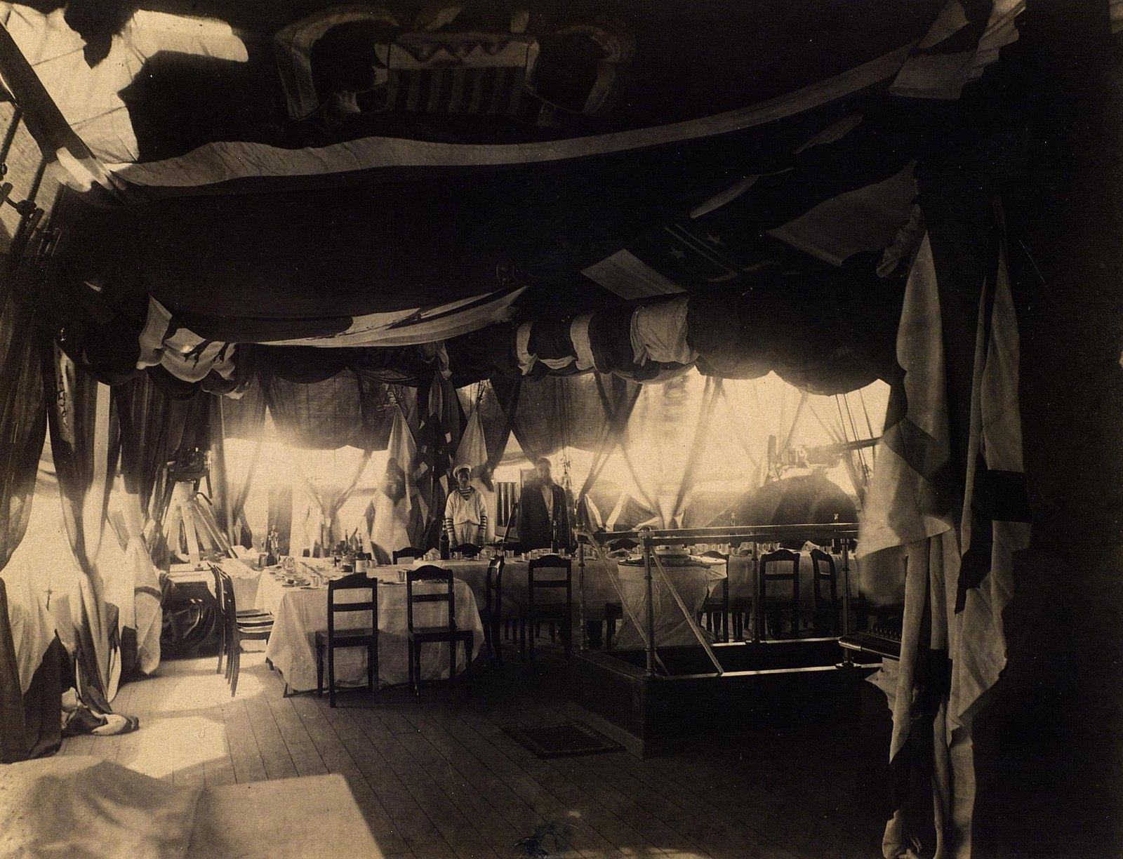 17. 1890. Обеденный стол на фрегате «Память Азова»