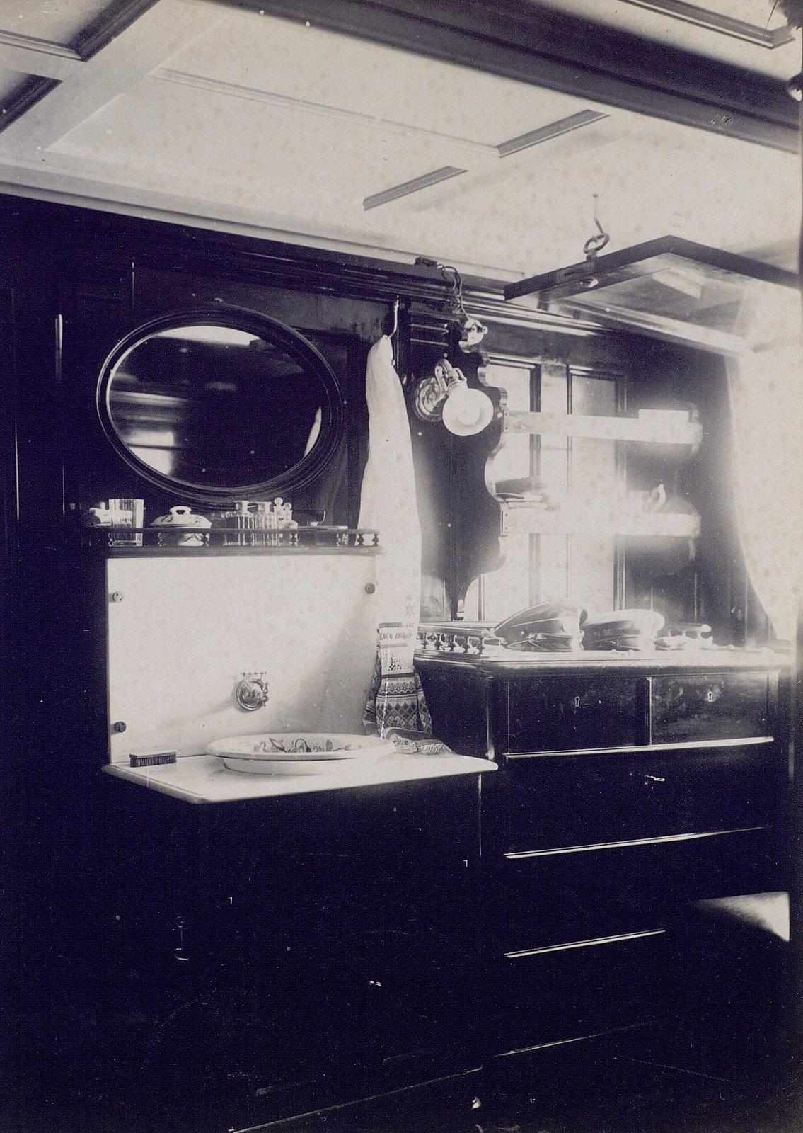 13. 1890. Каюта на борту фрегата «Память Азова»