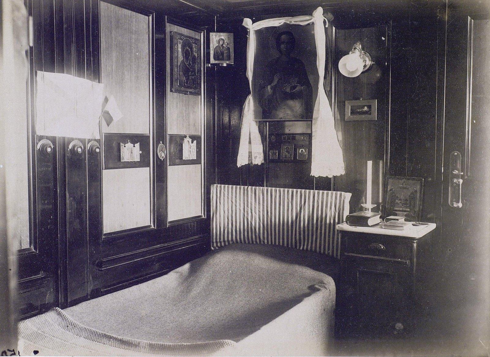 10. 1890. Спальня цесаревича Николая Александровича на борту фрегата «Память Азова»