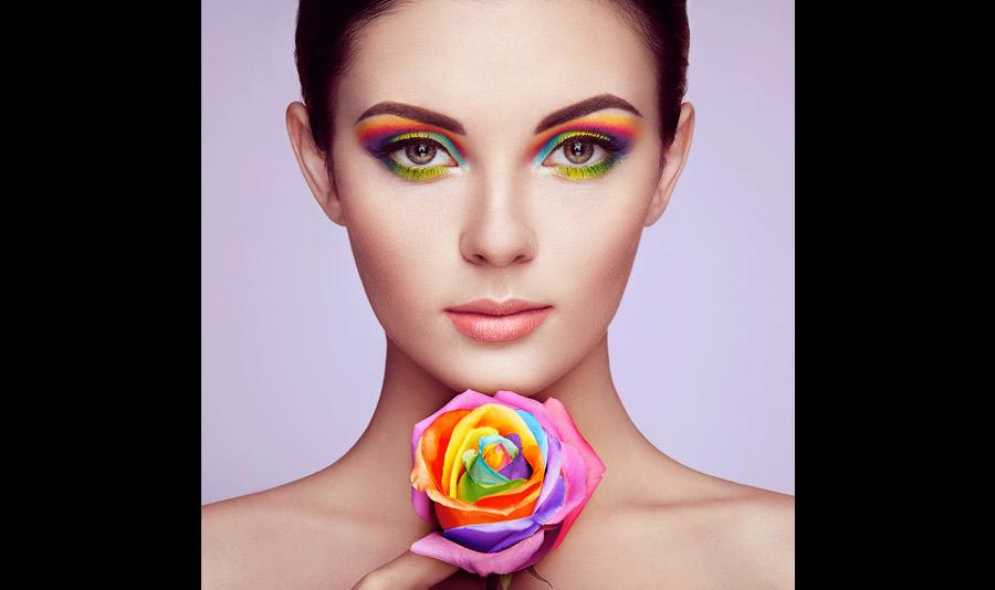 Maquilla tus ojos con colores de verano