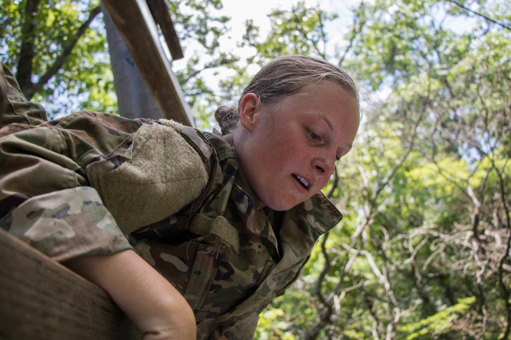 Confidence Course | 6th Regiment, Advanced Camp