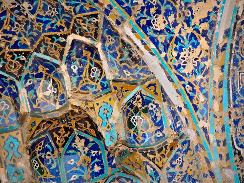 closeup detail bluemosque famousplace craftmanship crafts ceiling decoration pattern design asia westasia middleeast iran islamicrepublicofiran islamicrepublic muslimworld middleeasternculture travel tourism traveldestinations touristattractions tabriz eastazerbaijan mosque islamicart tile tilework