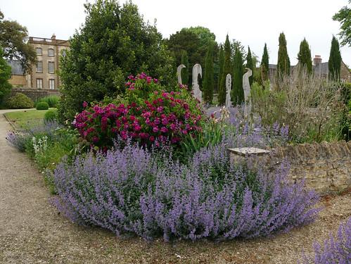 Paddock Gardens