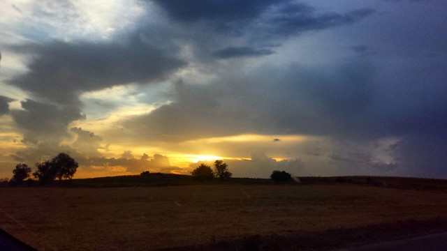 Puestas de sol manchegas... . . #foto #pic #pics #picoftheday #flickr  #castillalamancha #cielos#nuvole #landscape #nature #landscapephotography #azul #blue#sunset  #sun#sol #fotografia  #cielo #sky#tramonto  #photooftheday #nubes#naturaleza