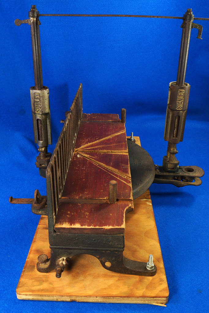 RD17205 Antique 1912 Stanley S.W. Sweetheart Miter Box No. 346 Frame No. 3 DSC01094