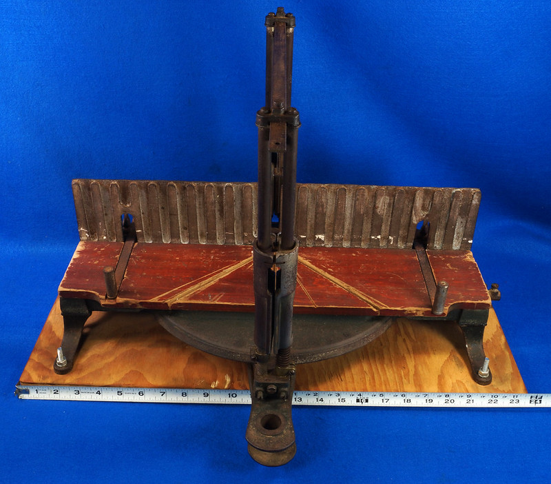 RD17205 Antique 1912 Stanley S.W. Sweetheart Miter Box No. 346 Frame No. 3 DSC01101
