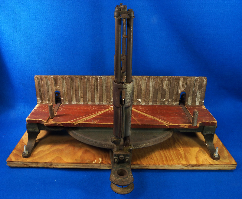 RD17205 Antique 1912 Stanley S.W. Sweetheart Miter Box No. 346 Frame No. 3 DSC01092