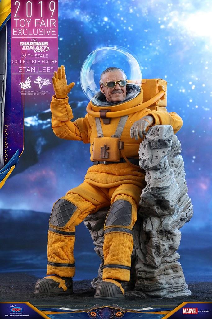 身穿太空裝的「MARVEL之父」! Hot Toys – MMS545 -《星際異攻隊2》史丹·李 Stan Lee® 1/6 比例人偶作品【Toy Fair Exclusive】
