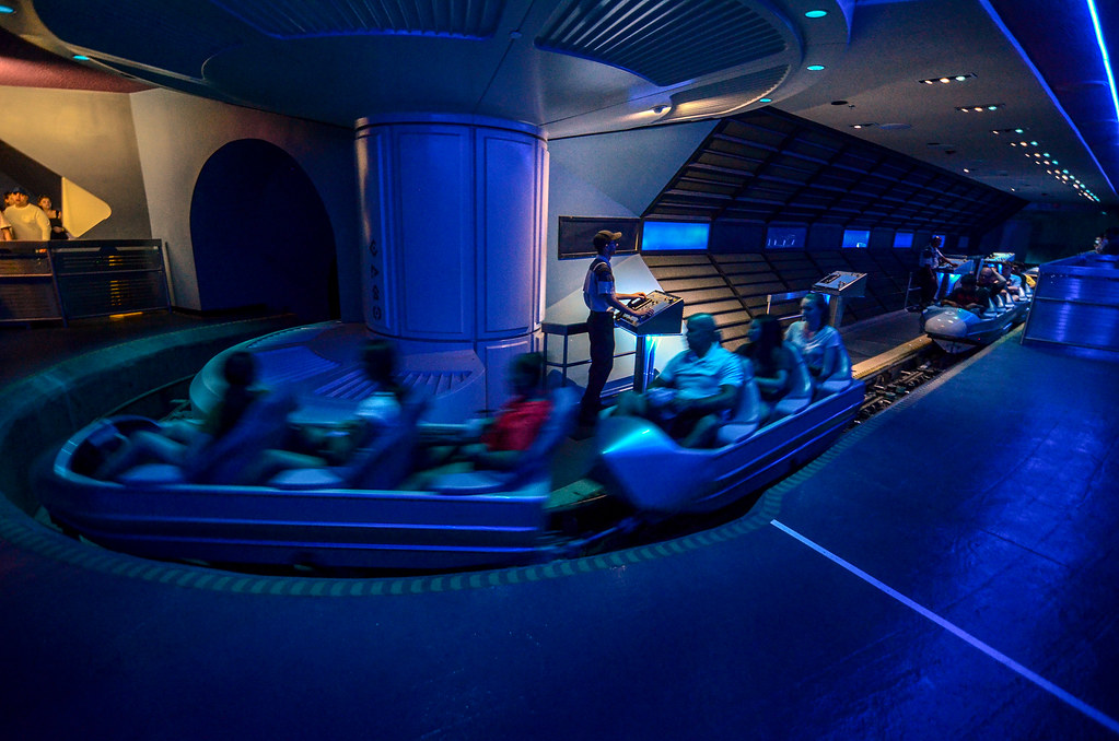 Space Mountain load zone
