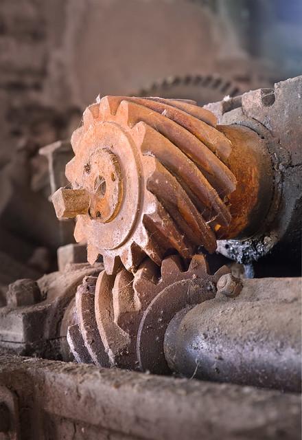 Schrägverzahntes Schraubenradgetriebe