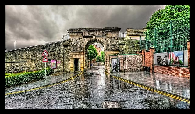 Derry NIR - Bishops Gate