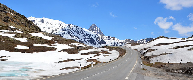 ...au Berninapass (Alt : 2328m)