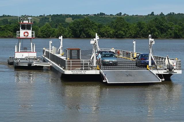 Ferry arriving at Rabbit Hash, Kentucky