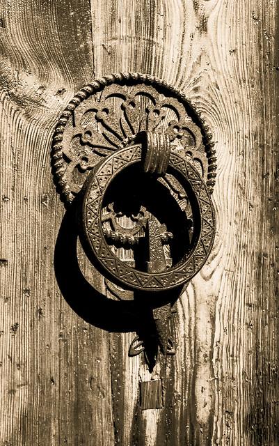 Llama a mi puerta...