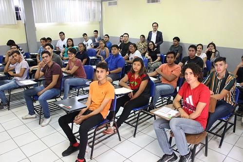 Aspirantes a ingresar a la FADU presentan examen CENEVALI-II