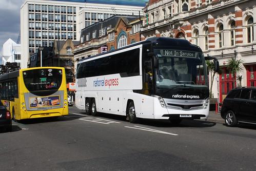 Yellow Buses 355 BV19XRJ