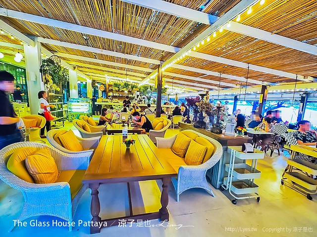 The Glass House Pattaya 48