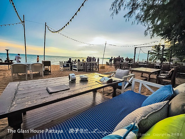 The Glass House Pattaya 34