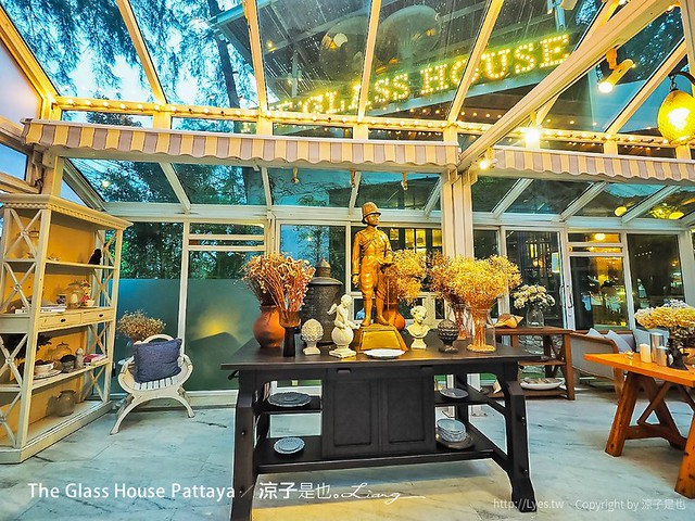 The Glass House Pattaya 45
