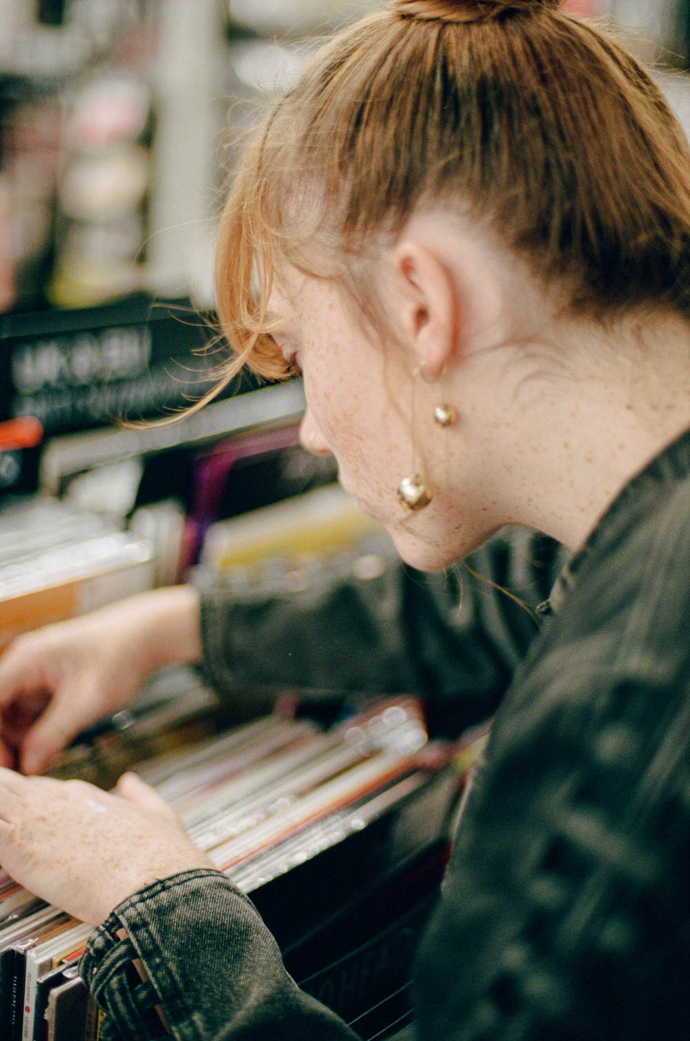 Record Shopping With.. Chloe Howl