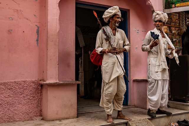 Conversation at the door of the guest house. Pushkar. Rajasthan. India