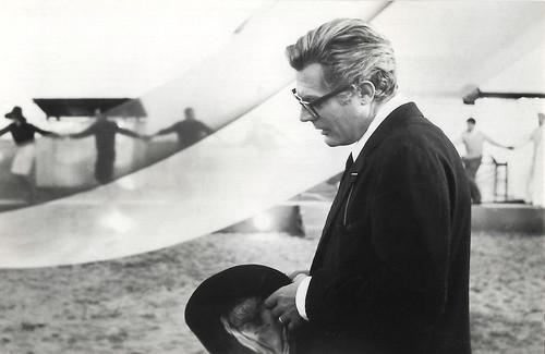 Marcello Mastroianni in 8½ (1963)