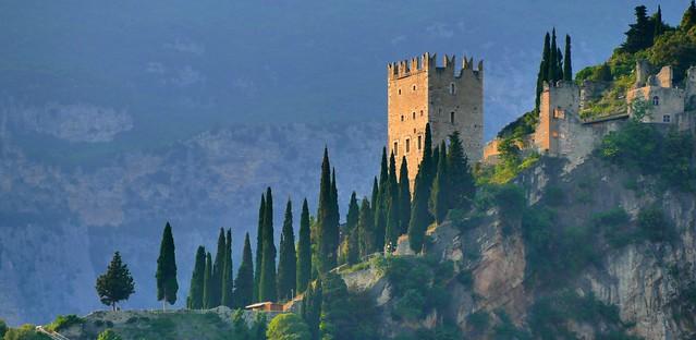 Arco (Trentino, Alto Adige, It) – Castillo al atardecer