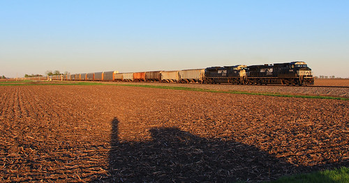 ns9606 ns297 bates dash944cw sunset norfolksouthern springfieldhannibaldistrict