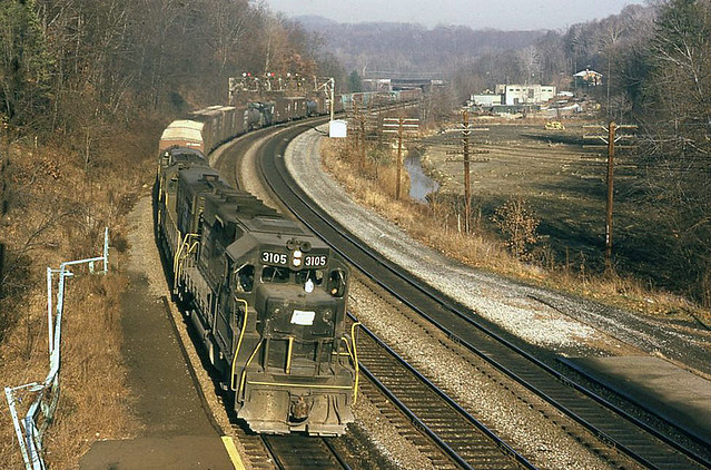 Penn Central EMD GP40 3105