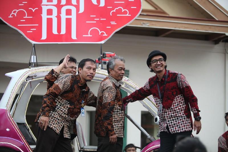 Official Dok FKY2019 - Prosesi pembukaan FKY secara simbolis oleh Paksi Raras Alit, Dr Restu Gunawan MHum, Drs Umar Priyono MPd, Aris Eko Nugroho SP MSi