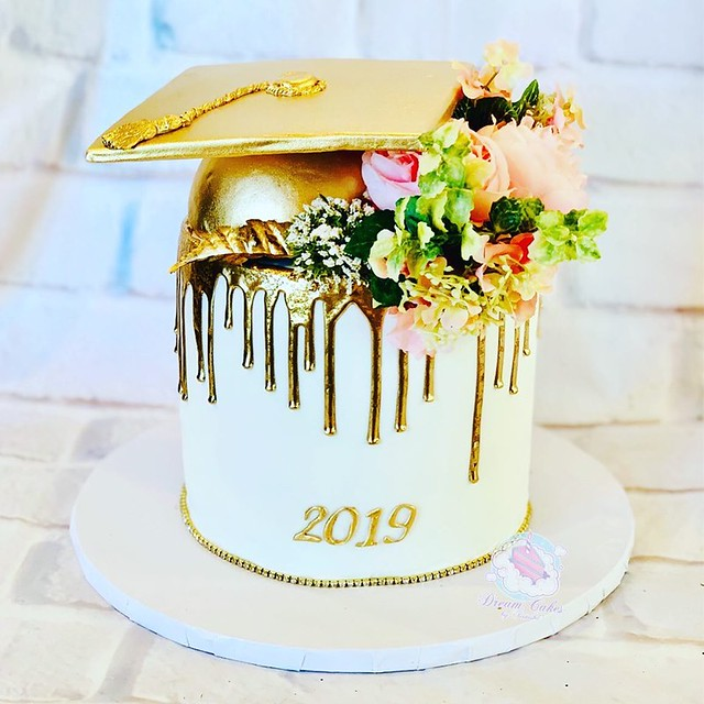 Cake from DreamCakes by Teinisha