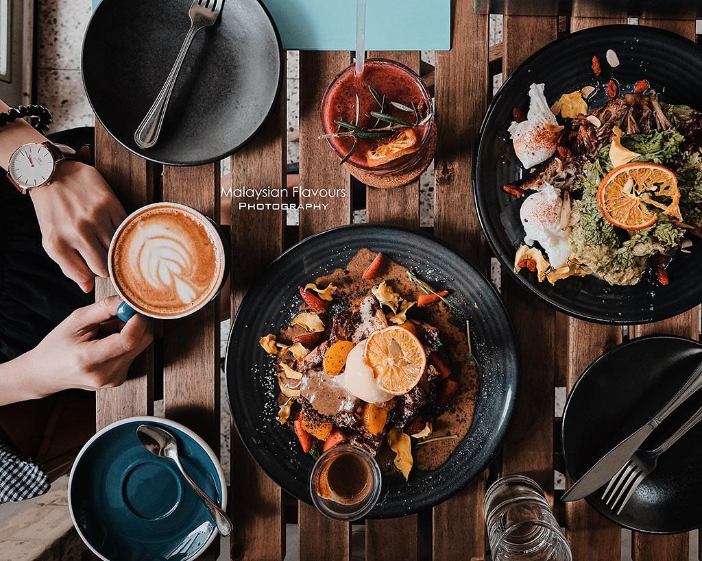 Sharing-Plates-Melaka-flatlay