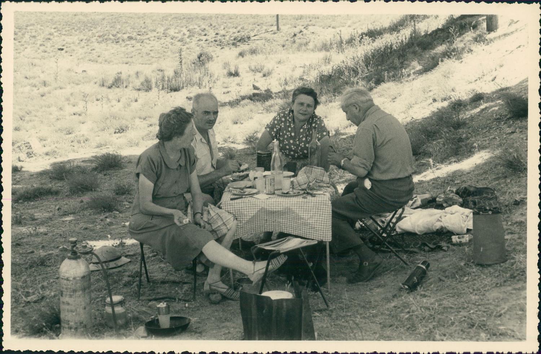 Afueras de Toledo hacia 1950 en una foto de unos viajeros franceses en su periplo hacia Marruecos