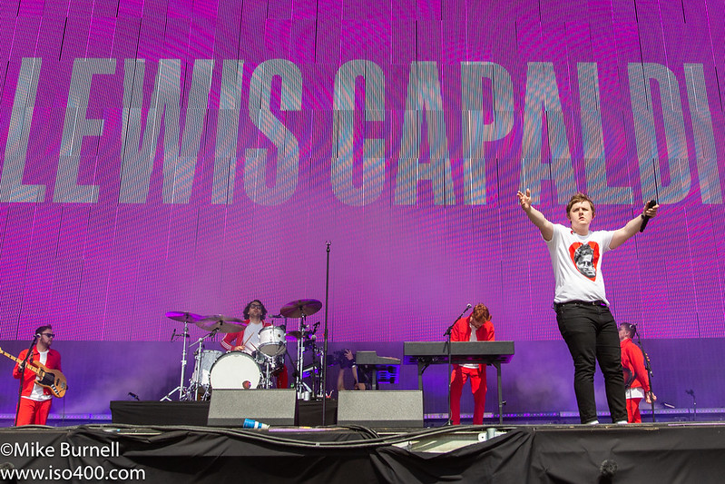 Lewis Capaldi Glastonbury 2019 pic by Mike Burnell-1267